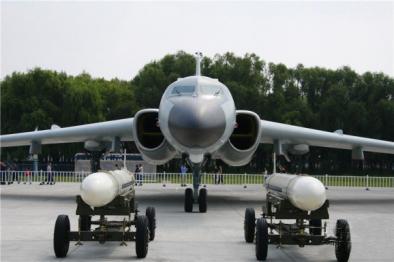 轰6K战机模型